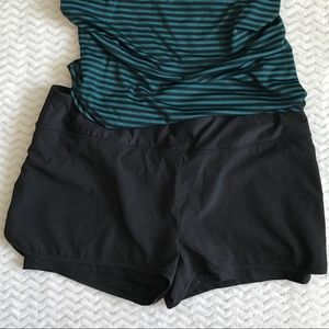 MPG Double layered running shorts